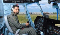 В кабине комплексного пилотажного тренажера Ми-171